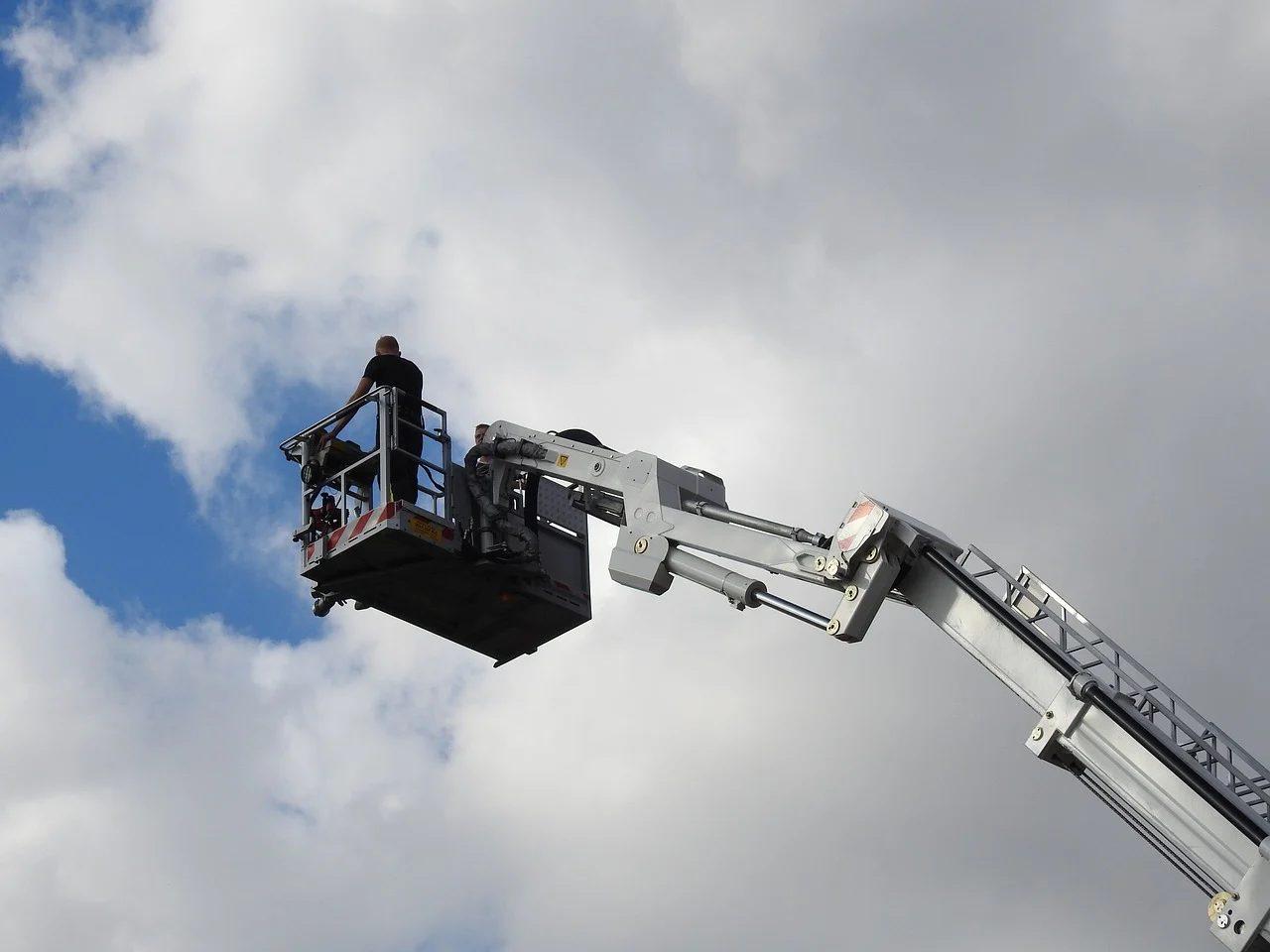 Техника безопасности при работе на высоте: основные правила